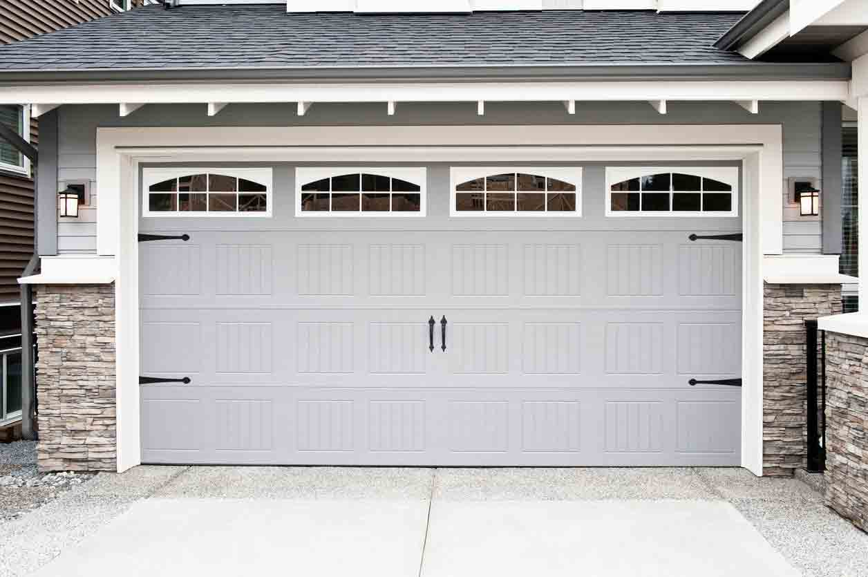 Garage Door Safety Tips that Every Homeowner Should Know